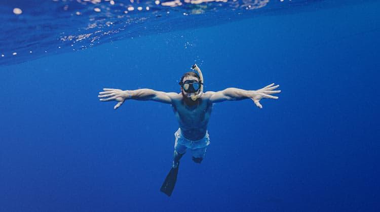 Mergulho na Baía de Paraty